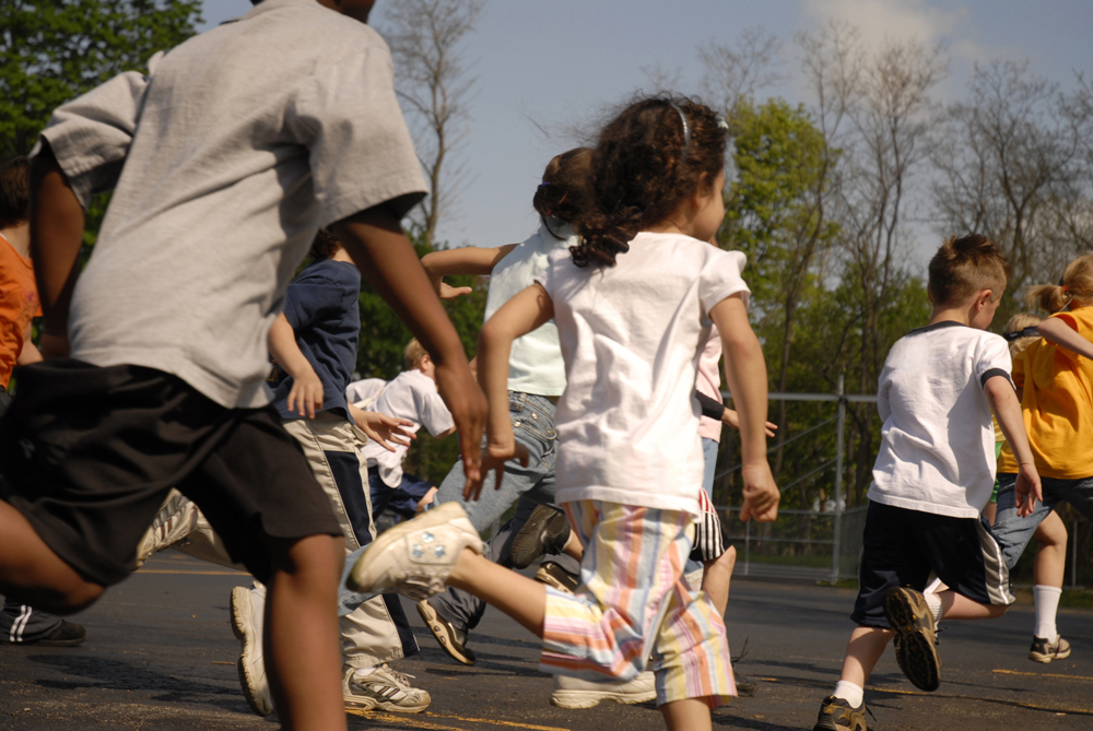 School-children-running